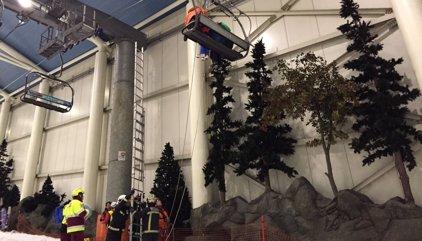 Una avería en el telesilla del parque de nieve del centro comercial Madrid Xanadú deja atrapadas a 30 personas
