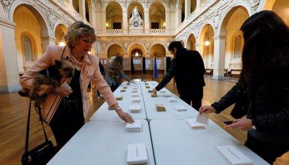 Los franceses empiezan a votar en las elecciones más convulsas de los últimos tiempos