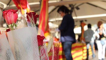 Puigdemont: las armas de Cataluña son el libro, la rosa y la cultura