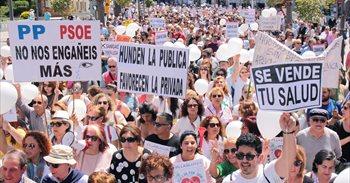 """Miles de manifestantes en Huelva por """"una sanidad pública digna"""""""