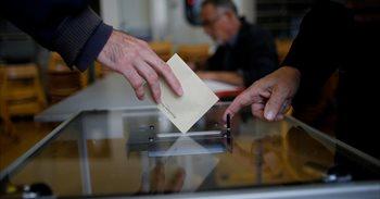 Primeras estimaciones apuntan a una abstención final en Francia de entre...