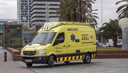 Muere el conductor de un quad al chocar contra un árbol en Castelldefels (Barcelona)