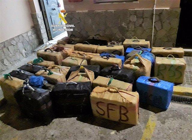 Más de 2.000 kilos de hachís intervenidos en Tarifa