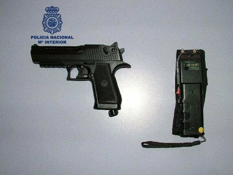Detenido un joven por secuestro de un taxista en Oviedo, tras hechos similares en Santiago y Lugo