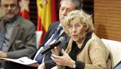 """Carmena afirma que la marcha de Aguirre refleja que """"todo un Gobierno y el PP se sostenían en una trama criminal"""""""