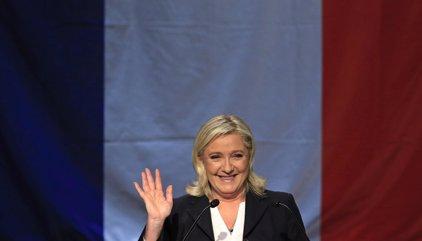 """Un alcalde francés tras la victoria de Le Pen en su pueblo: """"no quiero dedicar mi vida a unos imbéciles"""""""