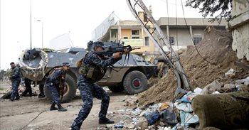 Las fuerzas iraquíes recurren al asedio y las acciones furtivas para...