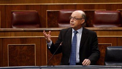 Anticorrupción se querella contra el despacho fundado por Montoro por un contrato con cámaras de comercio en 2012