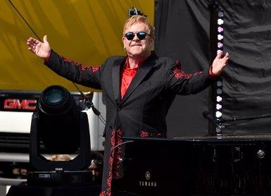 """Elton John cancel·la els concerts d'abril i maig després de contreure una infecció """"potencialment mortal"""" (KEVIN WINTER)"""