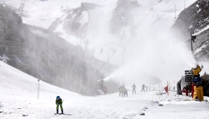 Sierra Nevada factura 34 millones y se consolida como estación de esquí más visitada de España