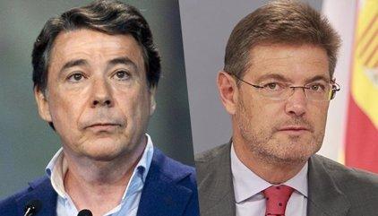 """El ministro Rafael Catalá en un SMS a Ignacio González en 2016: """"Ojalá se cierren pronto los líos"""""""