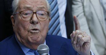 Jean-Marie Le Pen critica la campaña de su hija y le aconseja que imite...