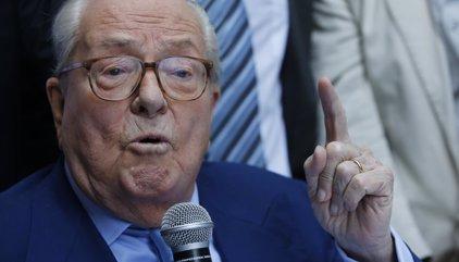 Jean-Marie Le Pen critica la campaña de su hija y le aconseja que imite la de Trump