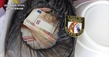 Sorprendido con 600.000 euros en el maletero en un control de carretera...