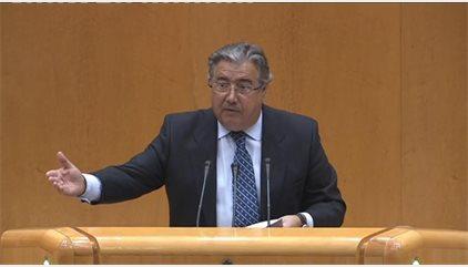 Ignacio González propuso a Zoido tomarse un café tras felicitarle por teléfono por su nombramiento como ministro