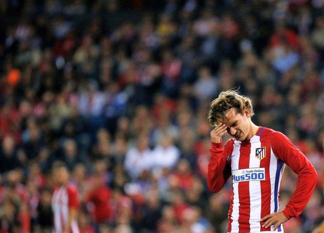 Antoine Griezmann lamenta la derrota del Atlético
