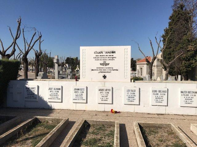 Placa de la legión Condor en el cementerio de La Almudena.
