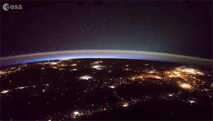 VÍDEO Rayos y objetos misteriosos, captados desde la Estación Espacial