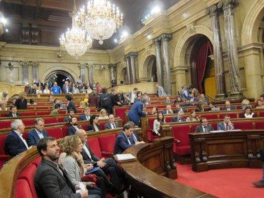 """Puigdemont anuncia que fixarà la data del referèndum """"abans de les vacances"""" (EUROPA PRESS)"""