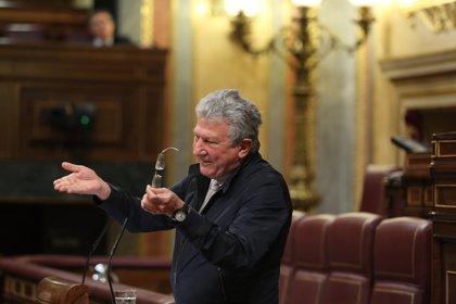 Quevedo (NC) acude a Moncloa para sellar su acuerdo sobre los Presupuestos de 2017