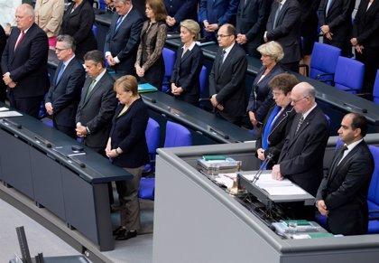 El Parlamento alemán rinde homenaje a Helmut Kohl