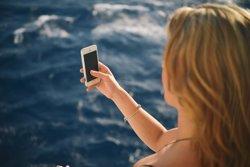 ¿Cómo enseñar a los menores a utilizar el móvil en vacaciones?