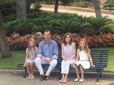 Los Reyes y sus hijas realizarán su tradicional posado ante la prensa el lunes en los jardines de Marivent