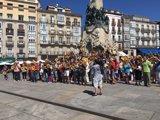 Una concentración en Vitoria reclama el cierre definitivo de la central nuclear de Santa María de Garoña