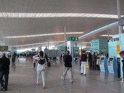 Tranquilidad en el Aeropuerto de El Prat en el inicio de la huelga de este domingo
