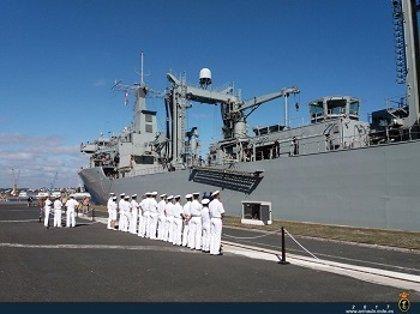 España asumirá el mando de la flota europea contra el tráfico de emigrantes en el Mediterráneo