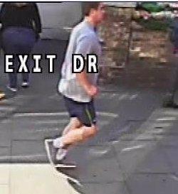 La Policía difunde nuevas imágenes del corredor que empujó a una mujer frente a un autobús en Londres