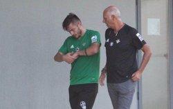 Tosca (Betis) sufre una fractura en la mano izquierda y se perderá varios partidos