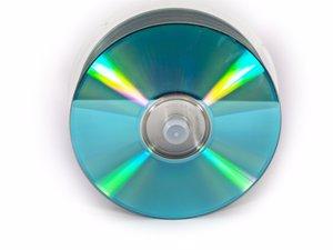 El 0,9% de los españoles copiaron series o películas en DVD durante el último año, según un estudio de Mazars