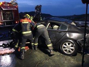 Rescatan el cuerpo de un varón del interior de un vehículo caído en el embalse de Contreras, en Cuenca