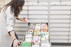El mercado farmacéutico crece un 1,5% en valores en el acumulado del último año, pero baja un 0,2% en unidades