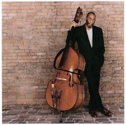 La leyenda del contrabajo Ron Carter llega este sábado al Festival Internacional de Jazz de Granada