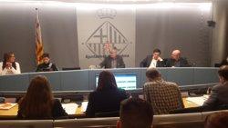 El Presupuesto de Colau supera su primer trámite con abstención de PSC, grupo Demòcrata y ERC
