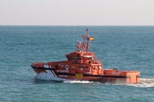 Salvamento rescata a 19 inmigrantes de dos pateras cerca de Almería