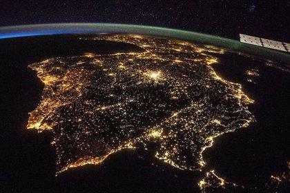 Las superficies iluminadas artificialmente en la Tierra aumentan más de un 2% al año