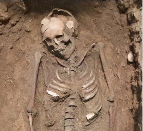 Hallan restos de una perfumer a del siglo iii y un enterramiento visigodo en la plaza manises de - Luengo arquitectos valencia ...