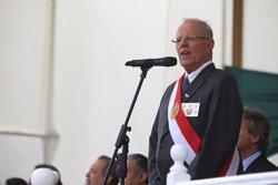 El presidente de Perú critica los registros a sedes del principal partido opositor