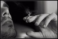 Muchos jóvenes fuman cannabis antes de entrar a clase para poder afrontar su vida y por no tener esperanzas en su futuro