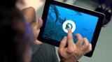 Un tercio de los españoles dedica casi un día a la semana a navegar por 'apps' móviles, según un estudio de Privalia