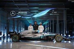 Mercedes presenta su nuevo W09 diseñado para seguir reinando