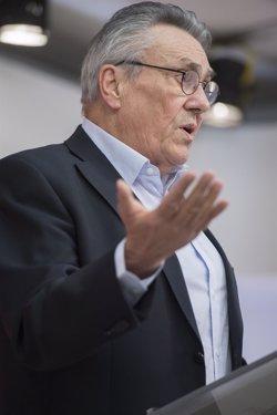 Escudero (PSOE) espera que el Gobierno actualice