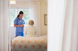 La profesión enfermera, con un 85% de mujeres, denuncia estar expuesta a diario a comentarios y estereotipos machistas