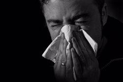 El Carlos III eleva a 748 las muertes confirmadas por gripe en España, un 77% más que en toda la temporada anterior