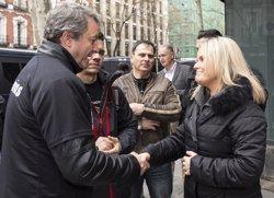 El PP recibe a las plataforma de policías y guardias civiles que ha protestado ante la sede de Génova