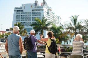 España recibe 8,3 millones de turistas hasta febrero (+3,9%), con 9.000 millones de gasto, un 5,2% más