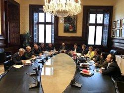 El Parlament revisa este martes el voto delegado de Puigdemont y la reforma para investirle